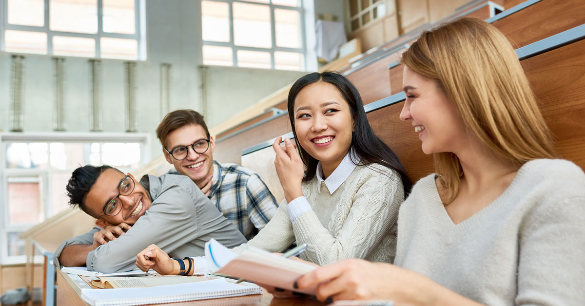usalliance-top-5-money-mistakes-college-students